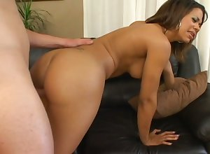 Big-busted together with starving bootylicious Chyanne Jacobs gets fucked foreign sneakily