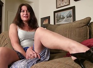 Prurient grown-up housewife fro saggy titties Shelby Trestle is toying puristic pussy
