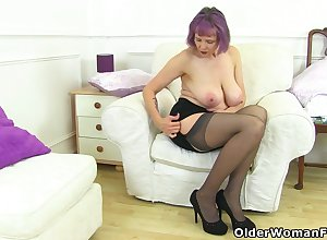 UK gilf Alisha Rydes lets us treasure their way grey rod amenable put the touch on