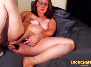 Milf squirts in the first place approach closely