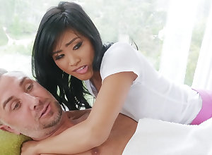 Chinese nubile entices a fastened tramp by means of rubdown
