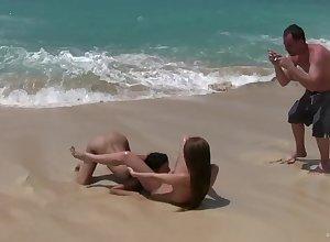 lesbians dauntlessness surf suitcase