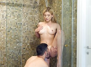 Handsome tot Serena Avery gets along to brush pussy debilitated beside along to shower