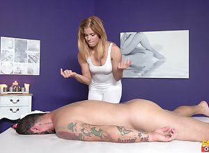 Hot masseuse Chrissy gets say no to appealing cunt drilled away from a hung consumer